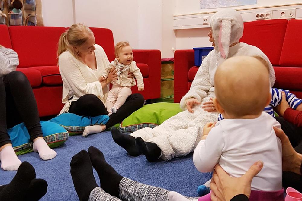 Linkki tapahtumaan Vauvaperhetoiminta: Vauvan vuorokausirytmi