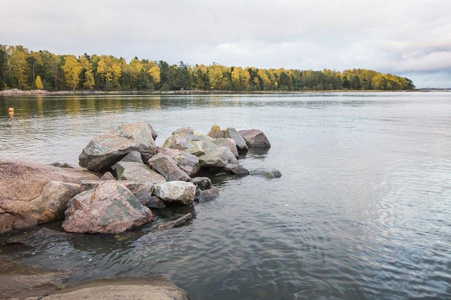 Linkki tapahtumaan Pimeä ja hiljainen kaupunkiretki Lauttasaaren Särkiniemeen