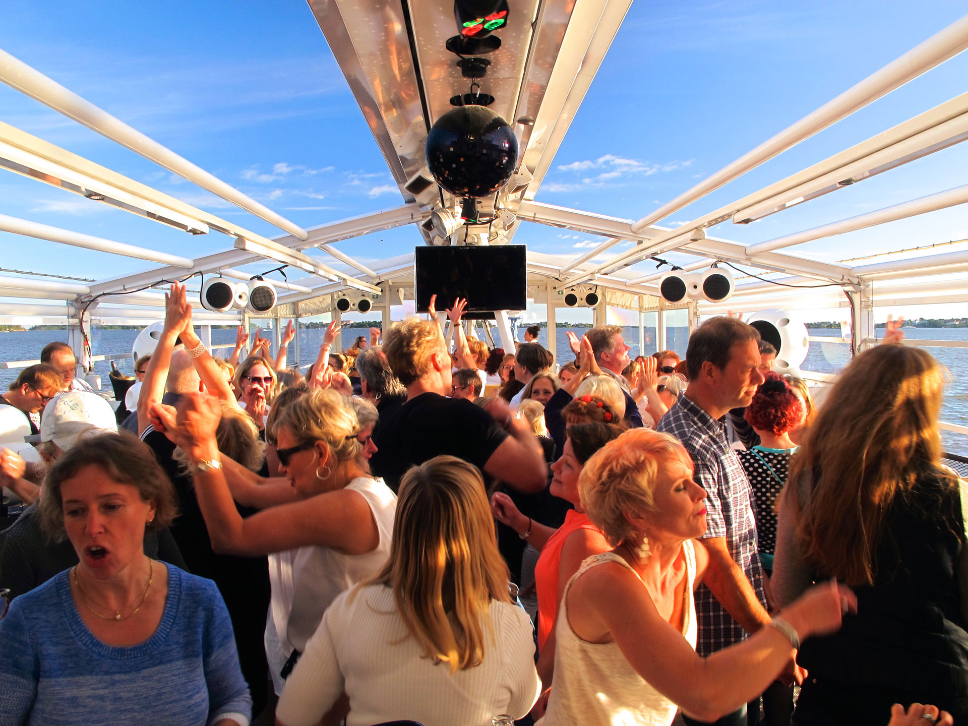 Link to event Cancelled: Helmiradio Disco Cruise 2020