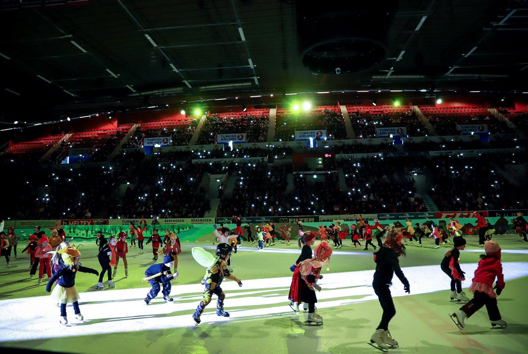 Linkki tapahtumaan Peruttu: Tie tähtiin -jääshow