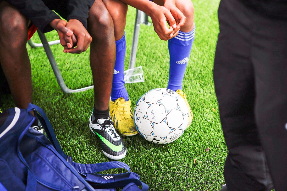 Jalkapalloilijat tauolla
