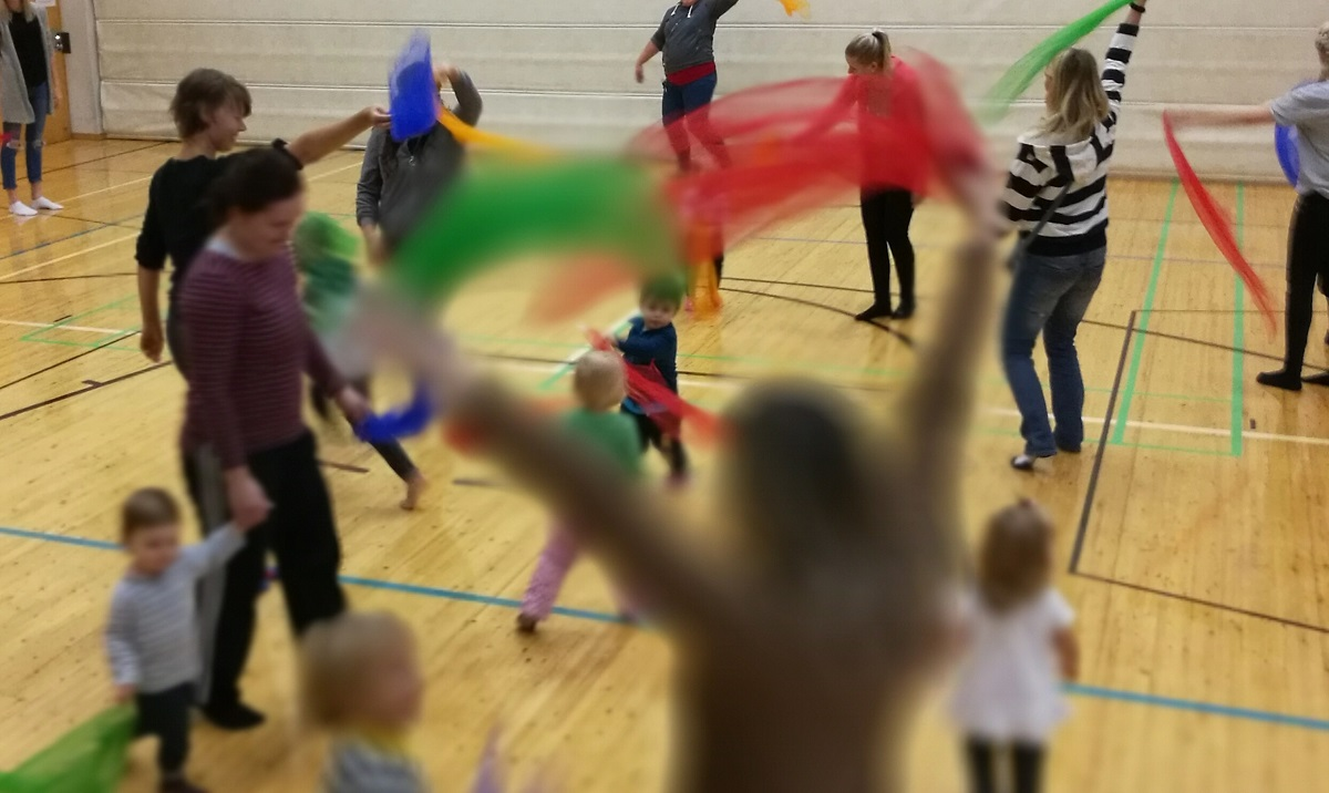 Linkki tapahtumaan Tällä hetkellä peruttu: Ilo liikkua- perheliikuntaa Leikkipuisto Tuorinniemessä