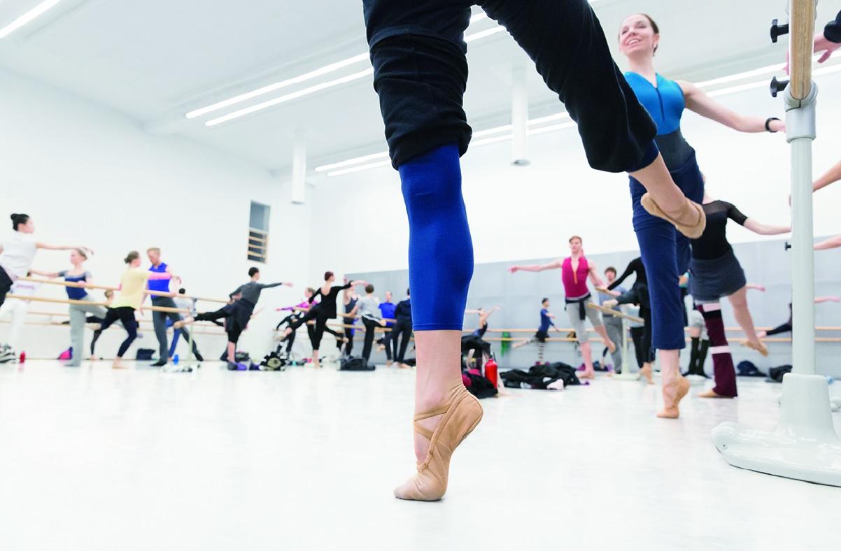 Linkki tapahtumaan Talviloma: Kansallisoopperan ja -baletin tanssitunteja verkossa